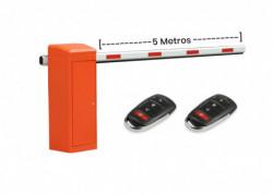 CAMARA DOMO IP 4MP, IR 30m, IP67, DS-2CD2742FWD-IS 2.8-12mm HIKVISION
